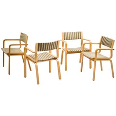 Set of Four All Original Arne Jacobsen Saint Catherine College Chairs