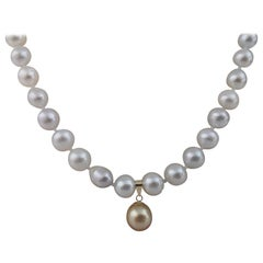 South Sea Pearl Necklace and Golden Pearl Pendant, 18 Karat Gold