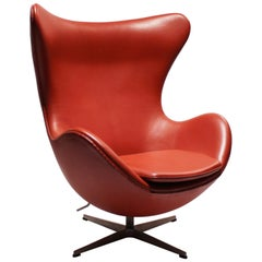 The Egg, Model 3316, Red Leather, by Arne Jacobsen and Fritz Hansen, 2001