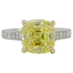 Tiffany & Co. 3.53 Carat PLAT 18 Karat Fancy Intense Yellow Diamond Ring