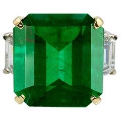 Two-Tone Diamond Emerald Ring, 16.11 Carat