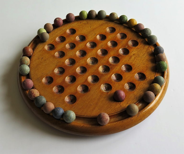 Victorian Marble Solitaire Game with Mahogany Board and 32 Handmade Marbles For Sale 3