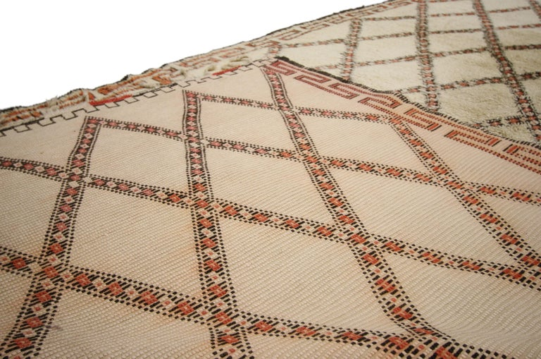 20th Century Vintage Beni Ourain Moroccan Rug with Modern Bauhaus Style and Hygge Vibes For Sale