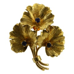 Vintage Tiffany & Co. Blue Sapphire Yellow Gold Flower Bouquet Brooch Necklace