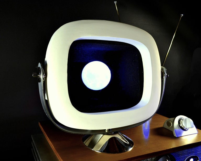 Art Donovan / Kinetic, Illuminated, Moon TV Sculpture, Midcentury/Atomic Age In New Condition For Sale In Southampton, NY