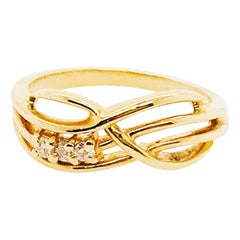 Diamond Infinity Band, 0.07 Carat Twisted Design in 14 Karat Gold, Estate Ring