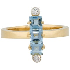 0.12 Carat Diamond Aquamarine Column Ring 18 Karat