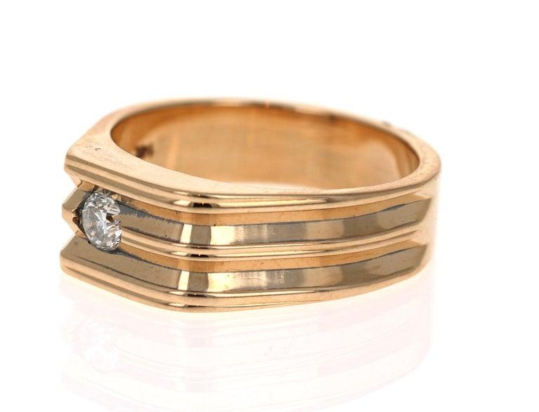 Modern 0.20 Carat Round Cut Men's Wedding Band 14 Karat Yellow Gold For Sale