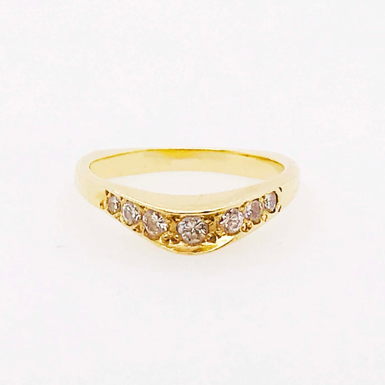 Round Cut Curved Diamond Ring, .2C Round Custom Band, Estate Diamond Wedding, 18K Gold For Sale