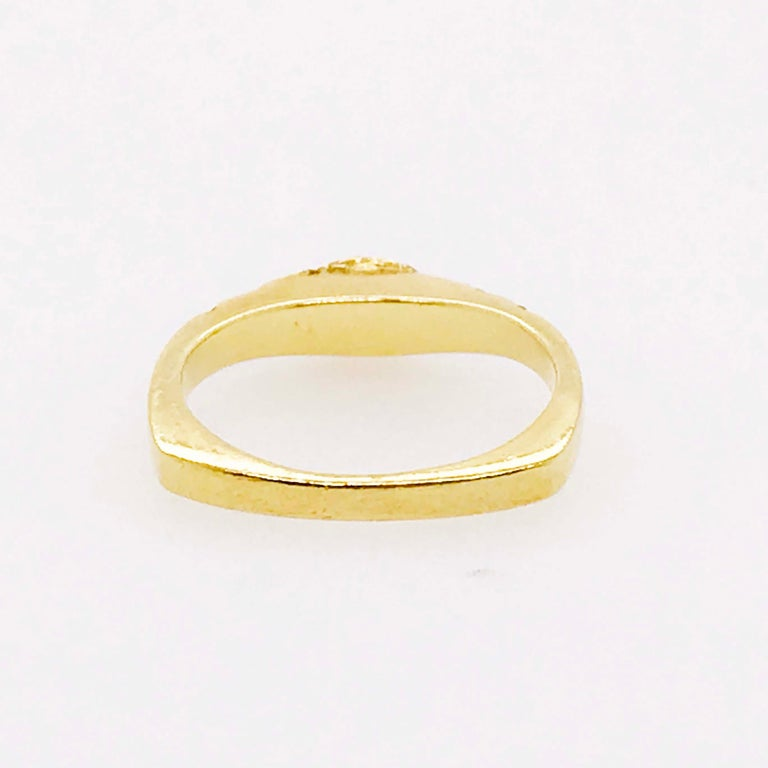 Curved Diamond Ring, .2C Round Custom Band, Estate Diamond Wedding, 18K Gold In Excellent Condition For Sale In Austin, TX