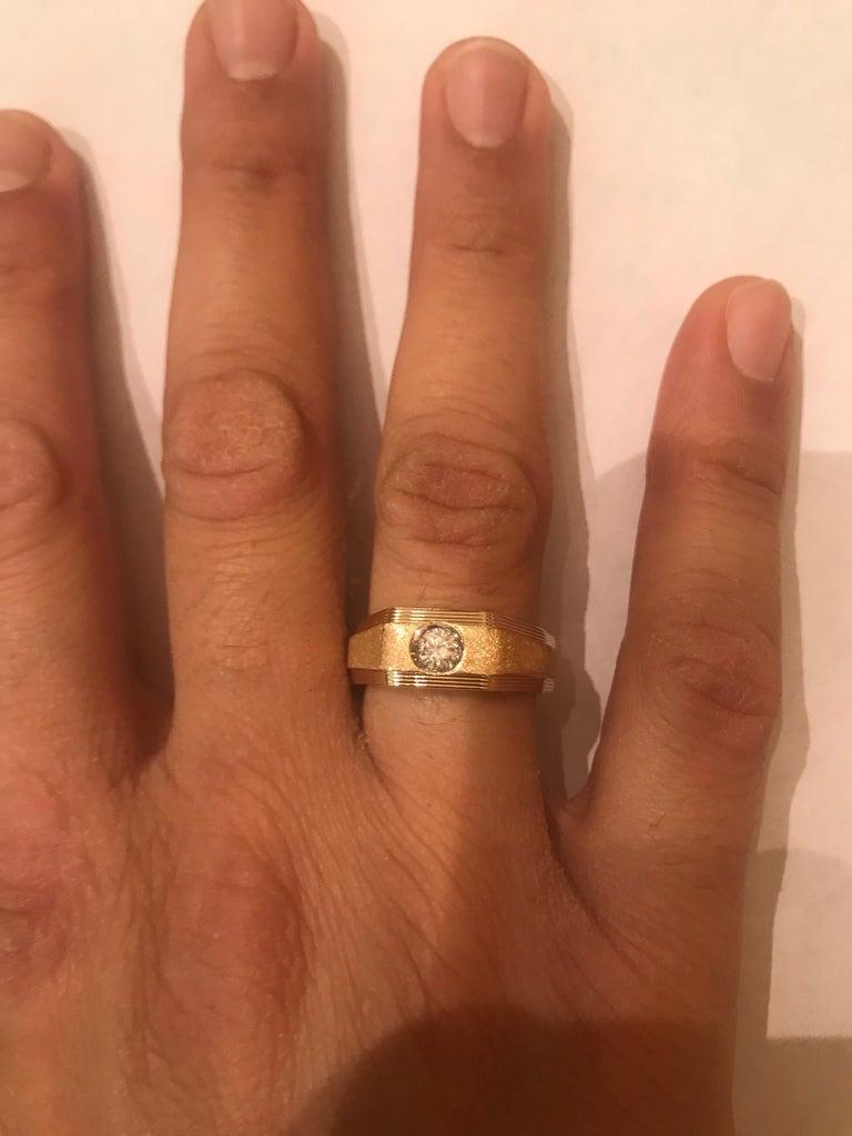 0.25 Carat Men's Round Cut Diamond Ring 18 Karat Yellow Gold For Sale 1