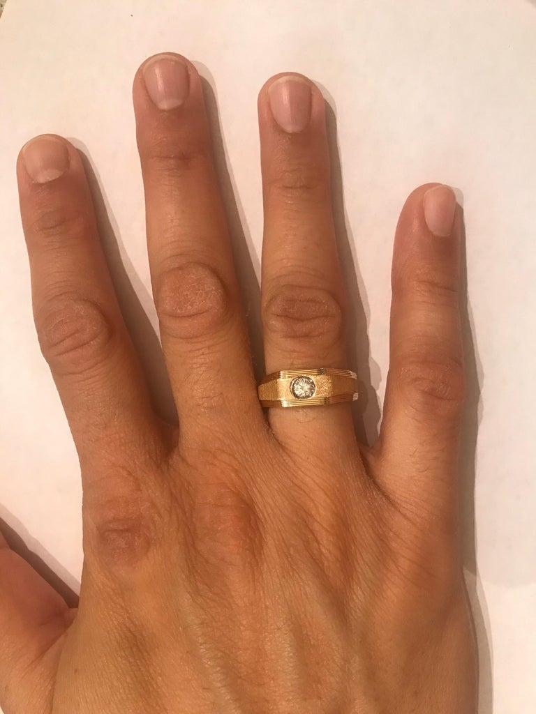 0.25 Carat Men's Round Cut Diamond Ring 18 Karat Yellow Gold For Sale 2