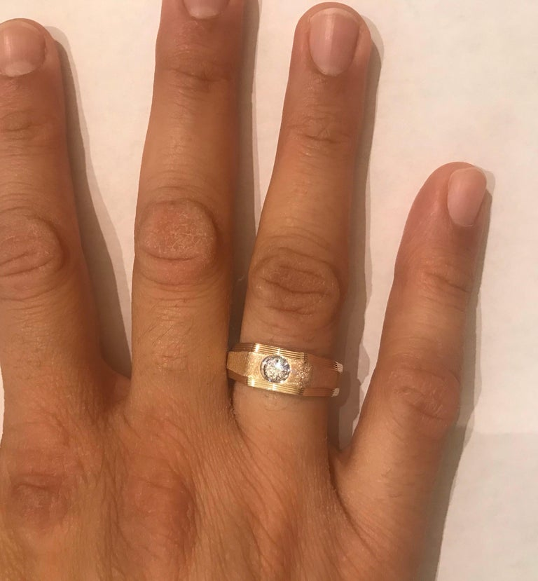 0.25 Carat Men's Round Cut Diamond Ring 18 Karat Yellow Gold For Sale 3