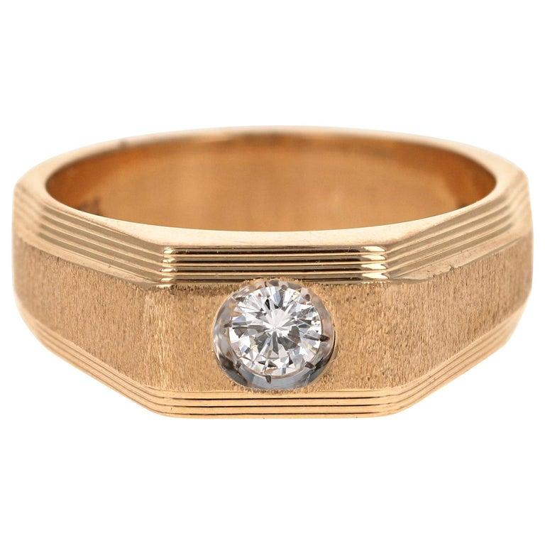 0.25 Carat Men's Round Cut Diamond Ring 18 Karat Yellow Gold For Sale