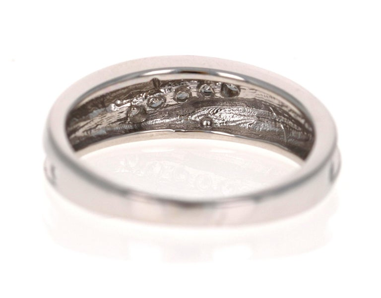 0.25 Carat Round Cut Diamond Men's Wedding Band 14 Karat White Gold In New Condition For Sale In Los Angeles, CA