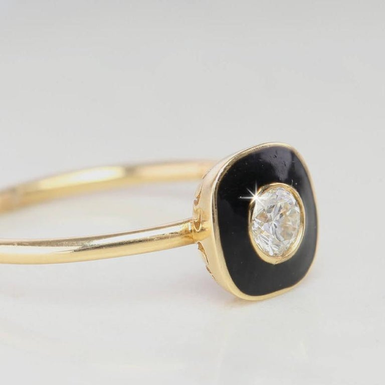 0.25 Carat Round Cut Diomand Ring with Black Enameled In New Condition For Sale In ISTANBUL, TR