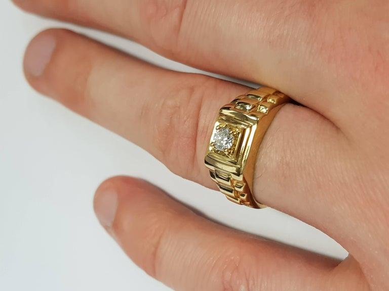 Round Cut 0.25 CT Round White Diamond 18 KT Yellow Gold Tresor Paris Solitaire Signet Ring For Sale