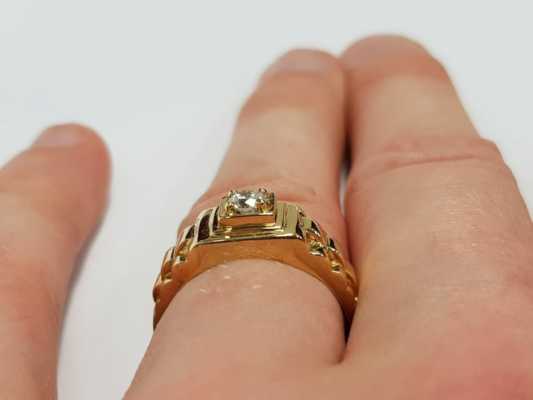 0.25 CT Round White Diamond 18 KT Yellow Gold Tresor Paris Solitaire Signet Ring In New Condition For Sale In London, GB