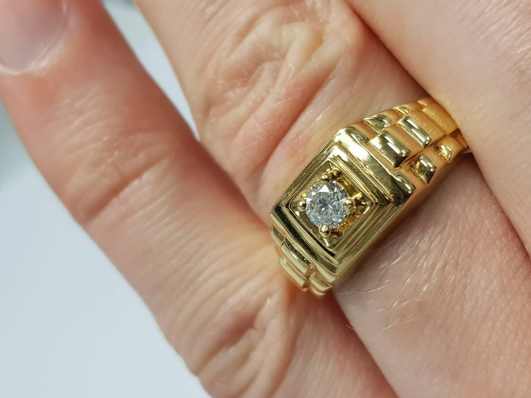 0.25 CT Round White Diamond 18 KT Yellow Gold Tresor Paris Solitaire Signet Ring For Sale 1