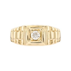 0.25 CT Round White Diamond 18 KT Yellow Gold Solitaire Signet Ring