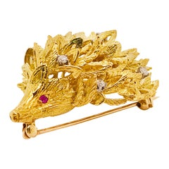 0.25 Diamond and Ruby Porcupine Animal Brooch Pin in 14 Karat Gold XL Size