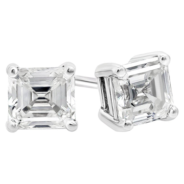 0.27 Carat Total Asscher Cut Diamond Stud Earrings For Sale