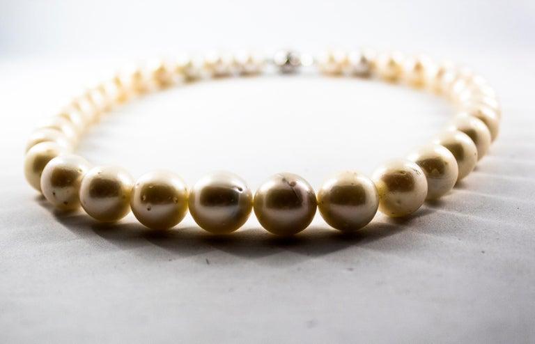 Renaissance 0.28 Carat White Diamond 510.0 Carat Australian Pearl White Gold Beaded Necklace For Sale
