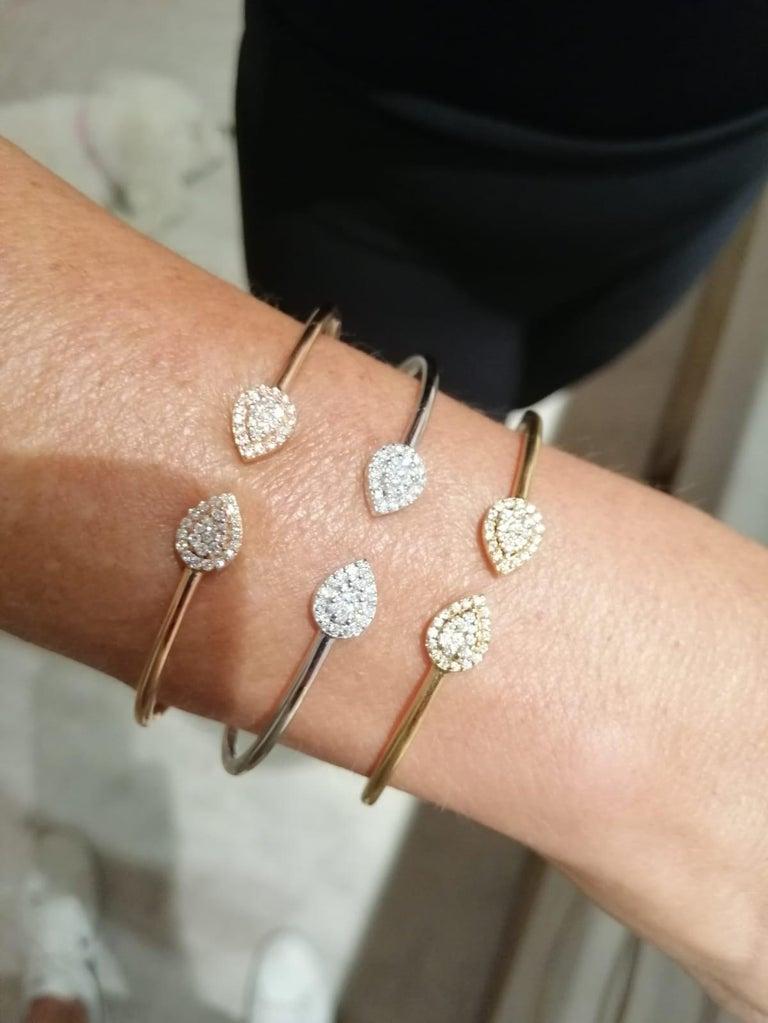 Round Cut 0.3 Carat Diamond Bangle, Pear Shape Bracelet, 18K Gold Bracelet, Diamond Bangle For Sale