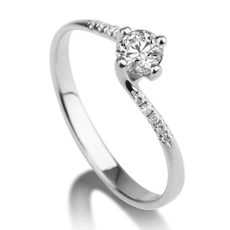 Round Cut 0.3 Carat Platinum Round Diamond Engagement Ring, Twist Diamond Ring For Sale
