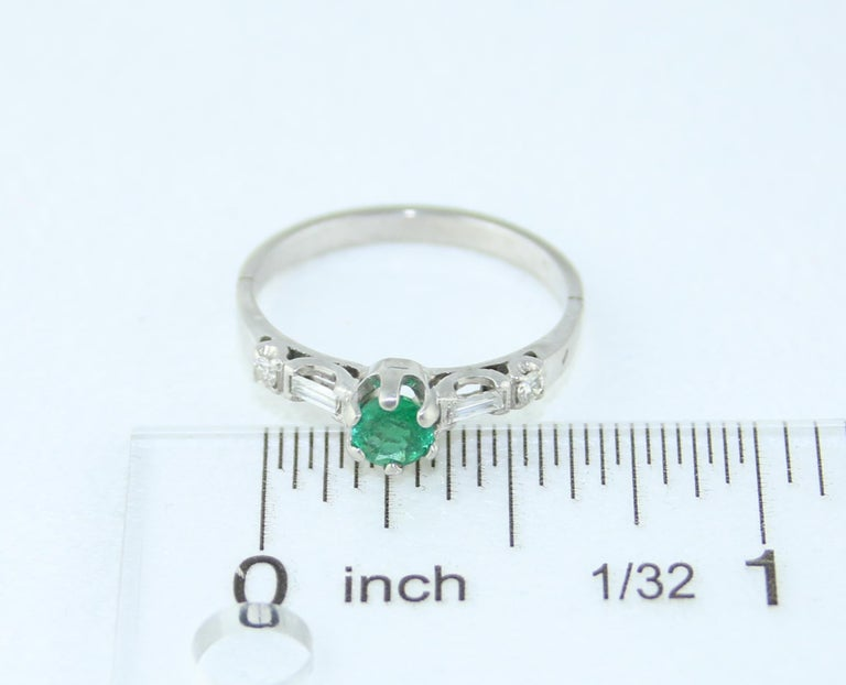 0.31 Carat Emerald Diamond Platinum Ring For Sale 1