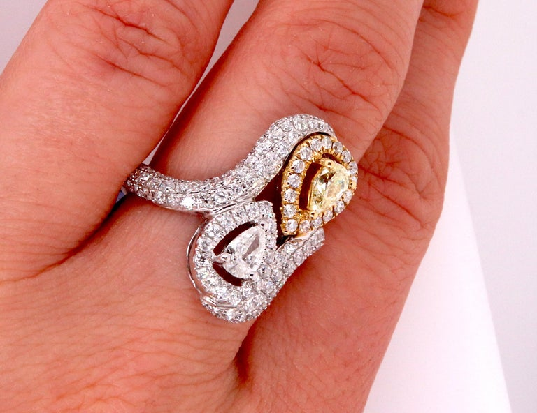 Women's 0.36 Pear Shaped Yellow Diamond and White Diamond Ring For Sale