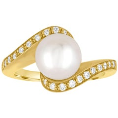 0.40 Carat Diamond and Pearl Bypass Gold Ring