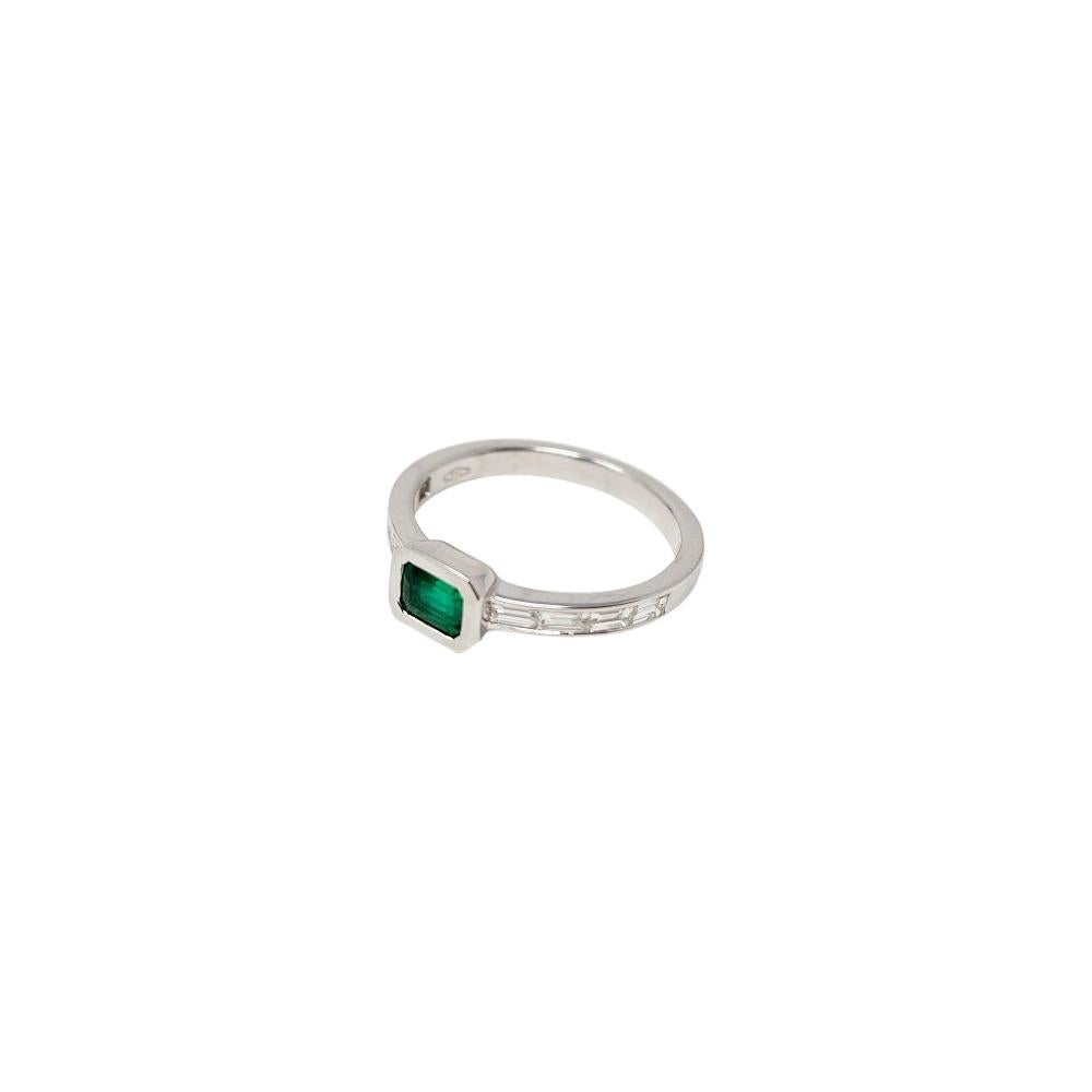 0.42 Ct Emerald 0.35 Ct Diamonds 18kt White Gold Solitaire Ring