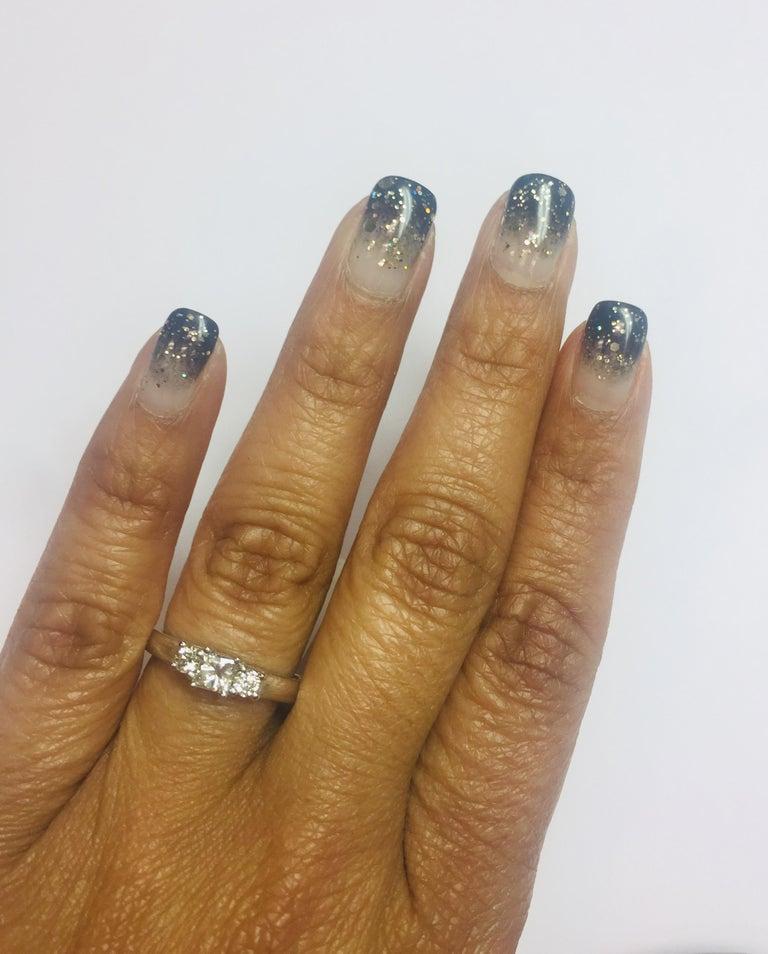 0.47 Carat Three-Stone Diamond 18 Karat White Gold Ring In New Condition In San Dimas, CA