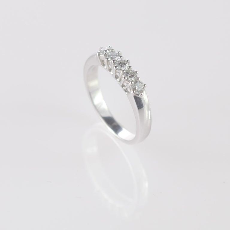 Romantic 0.5 Carat Diamond Radiant Line Band 18 Karat Gold Wedding Engagement Ring For Sale