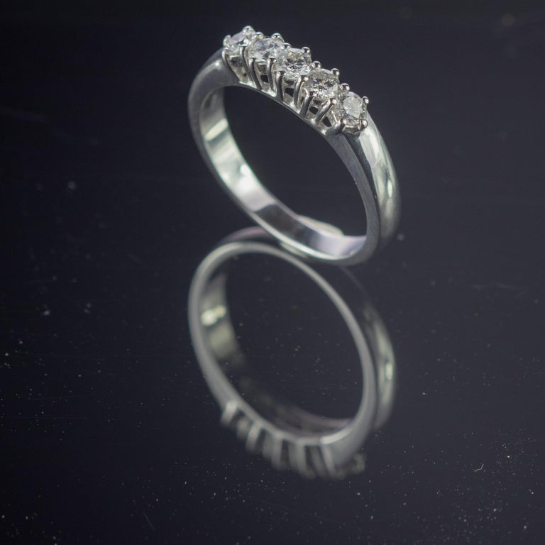 Women's 0.5 Carat Diamond Radiant Line Band 18 Karat Gold Wedding Engagement Ring For Sale