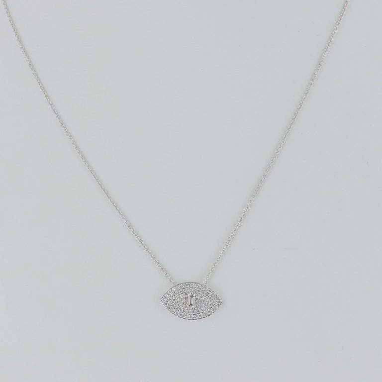 Contemporary 0.50 Carat GVS Round/Baguette Diamond Eyes Chain Necklaces 18 Karat White Gold	 For Sale