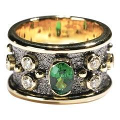 0.50 Carat Tsavorite 1 Carat Diamond 18 Karat Gold Cigar Band Ring US Size 7