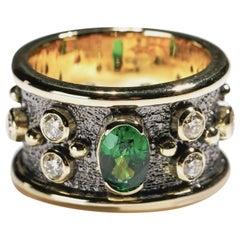 0.50 Carat Tsavorite 1 Carat Diamond 18 Karat Gold Cigar Band Ring US Size 8