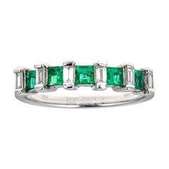 1/2 TCW princess Cut Vivid Green Emerald Accent Baguette Diamond Wedding band