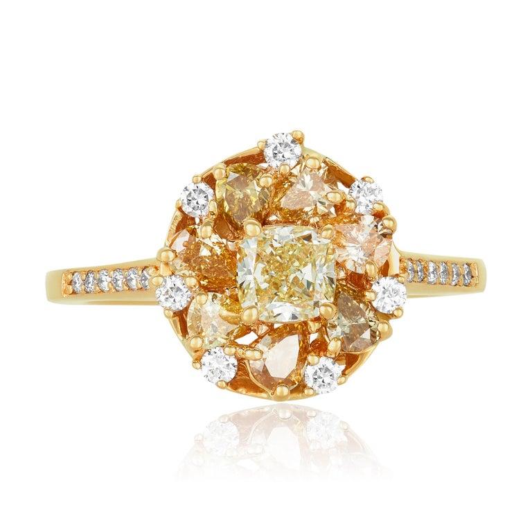 Contemporary 0.58 Carat Princess Yellow Diamond Ring with Multi-Color Diamond 18k Yellow Gold For Sale