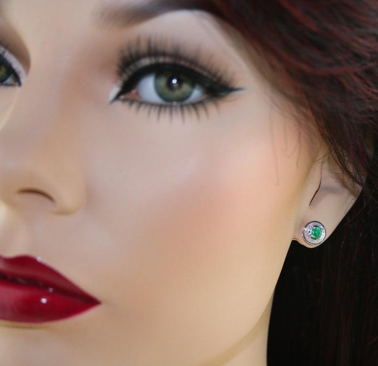 Round Cut 0.60 Carat Emerald Diamond Gold Stud Earrings For Sale