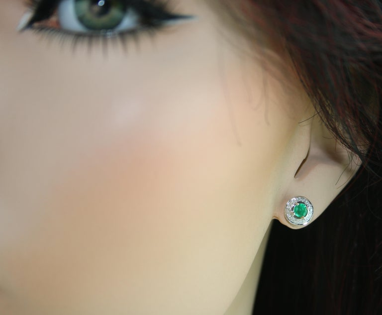 0.60 Carat Emerald Diamond Gold Stud Earrings In New Condition For Sale In New York, NY