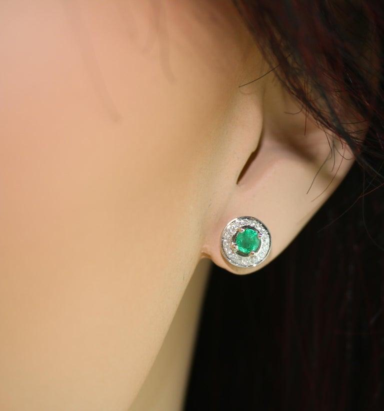 Women's 0.60 Carat Emerald Diamond Gold Stud Earrings For Sale