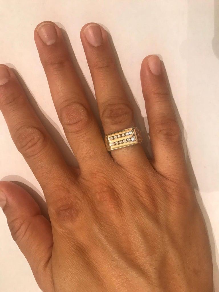0.60 Carat Men's Round Cut Diamond Band 14 Karat Yellow Gold For Sale 1