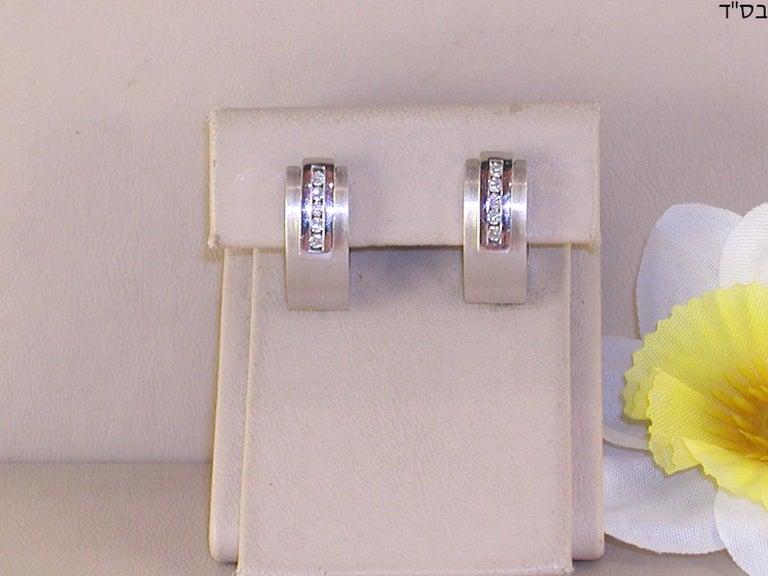 Contemporary 0.64 Carat White Gold Diamond Earrings Necklace Pendant Set For Sale