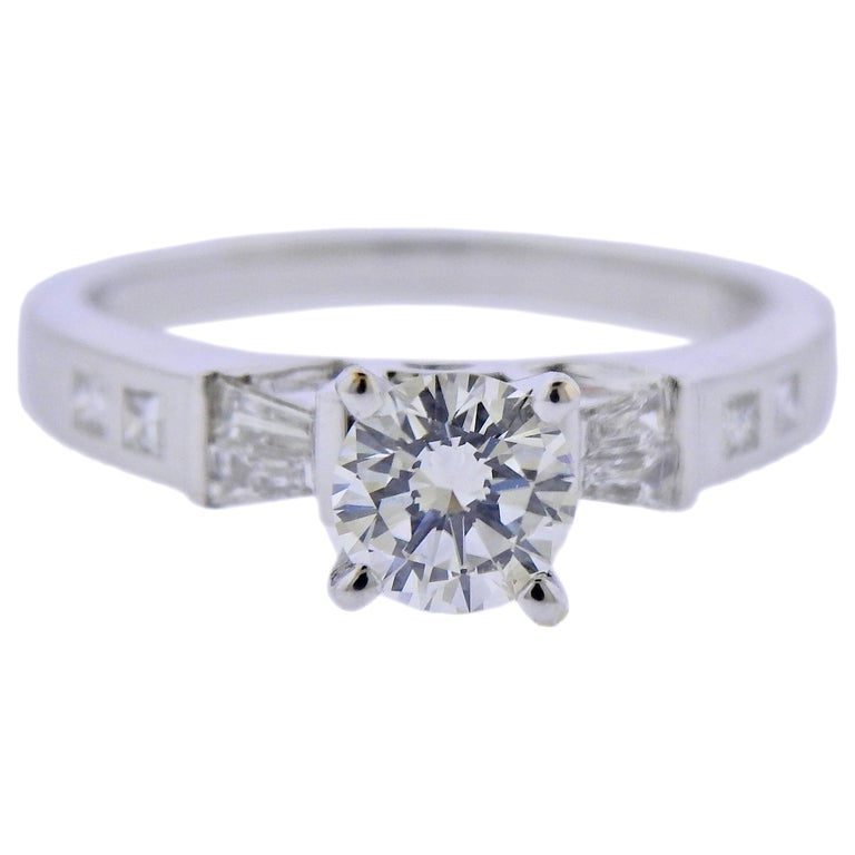 0.65 Carat Diamond Gold Engagement Ring For Sale