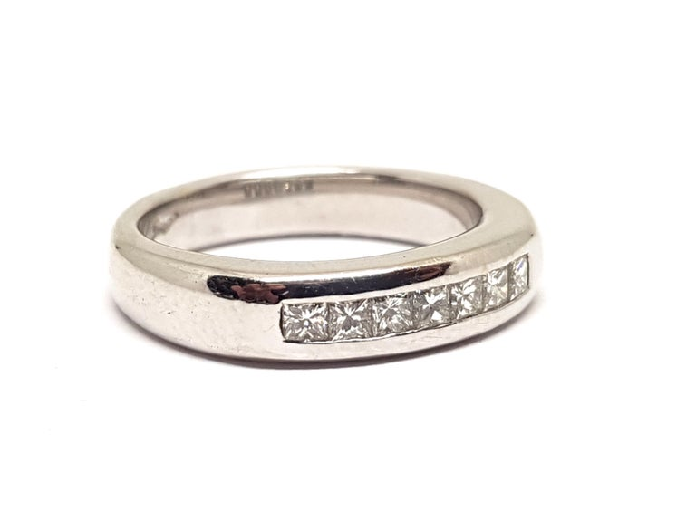 0.70 Carat White Gold Diamond Memory Eternity Ring In New Condition For Sale In Antwerp, BE