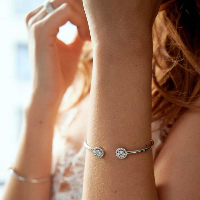 Marquise Cut 0.75 Carat GVS Marquise Diamonds Bangle Bracelet 18 Carat White Gold For Sale