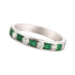 0.80 Carat Natural Emerald and Diamond Ring 14 Karat White Gold
